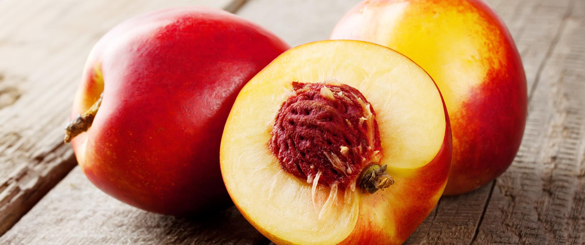 La nectarine cebon - Peche a peau lisse ...